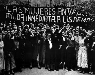 Manifestación durante la guerra